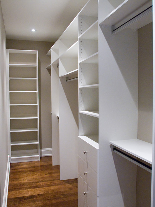 Small walk in closet design ideas remodels photos for Walk in closet remodel
