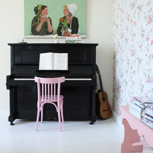 Styling: How to Incorporate a Piano Into Your Room Scheme