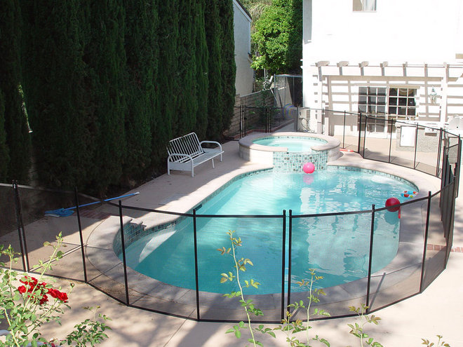 Modern  by Guardian Pool Fence Systems
