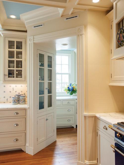 Elegant Sun-Filled Kitchen
