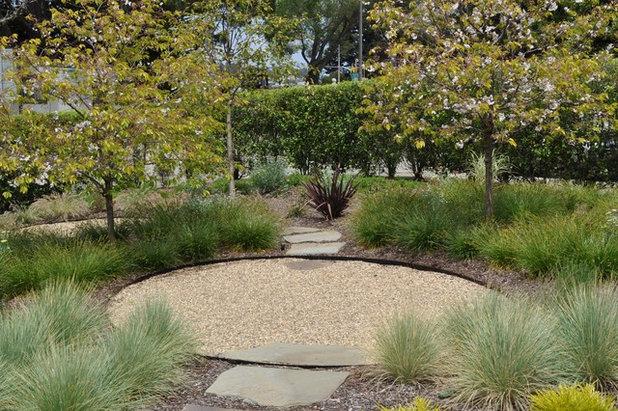Circle round for great garden design for Round garden designs