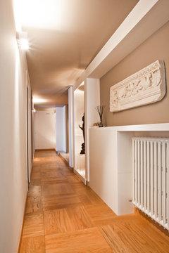 Corridoio lungo e inutile - Abbassare il soffitto ...