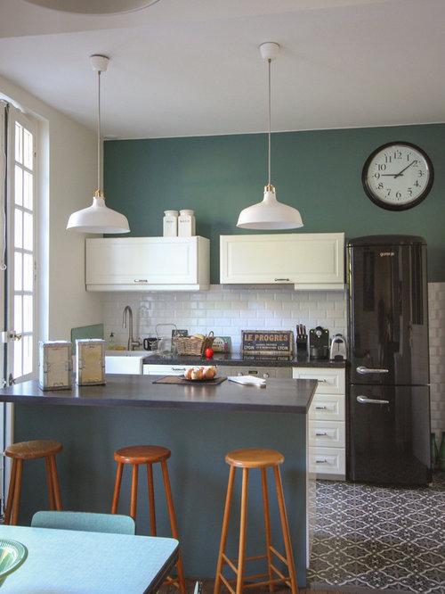 Deco cuisine bleu canard id es de d coration et de mobilier pour la conception de la maison for Cuisine blanche mur bleu canard