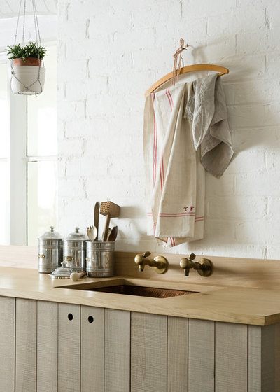 Rustic by deVOL Kitchens