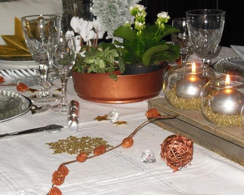 Dresser une table de f te or argent cuivre sur fond blanc - Dresser une table couvert ...