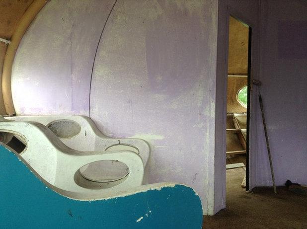 Back to the Futuro: Tour a Lovingly Restored 'Spaceship' via the 1960s