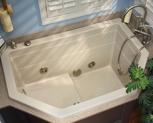 Bathtubs for small spaces 28 images tub for small space seoandcompany co bathroom designs - Small space bathtubs gallery ...