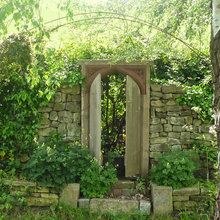 Give Your Garden a Beautiful Focal Point