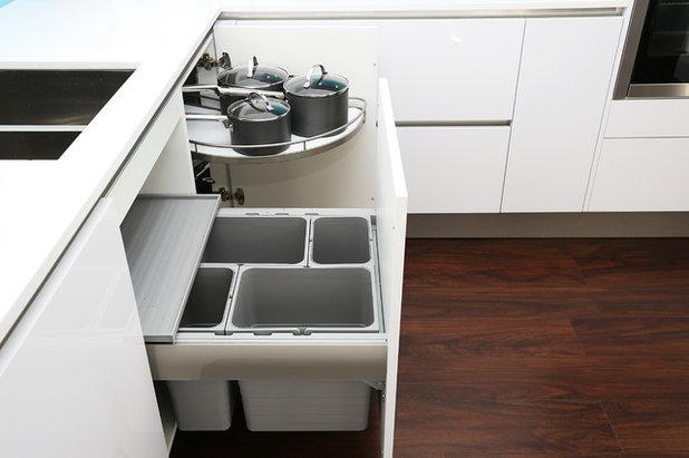 Midcentury Kitchen by LWK Kitchens London