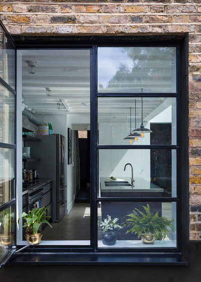 Contemporary  by Mustard Architects