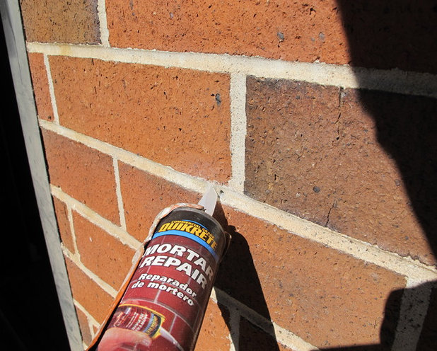 Christmas Lights On Concrete Wall : A Contractor s Secrets to Hanging Holiday Decor
