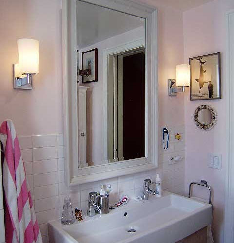 Transitional bathroom idea in louisville with subway tile - Double Sinks Small Home Design Ideas Pictures Remodel
