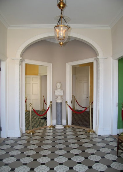 The entrance foyer with Hamilton's bust
