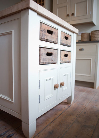 Traditional  by George Robinson Kitchens