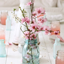 10 Beautifully Blossoming Spring Centerpieces