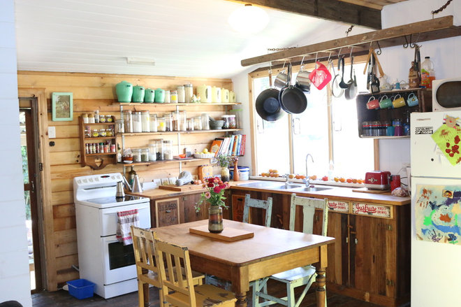 Cosy Country Cottage Kitchen