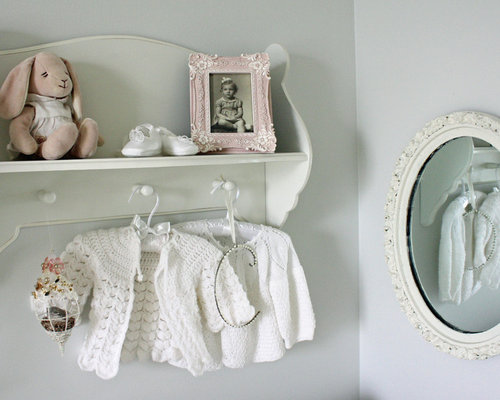 how to decorate a bookcase shabby chic 1