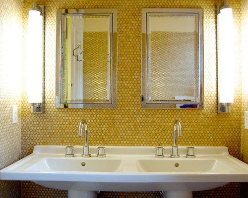 Moderne Badgestaltung Fliesen Boden Holzoptik Kieselsteine ...