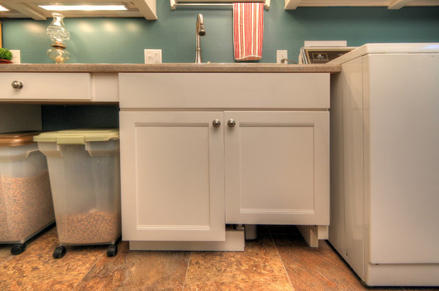 Contemporary Laundry Room by Mosby Building Arts