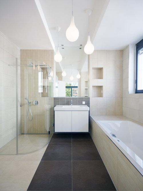 Badezimmer Sandfarbene Fliesen - Ideen & Beispiele für die Badgestaltung  HOUZZ