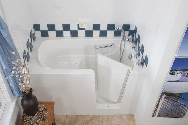 Classique Chic Salle de Bain by Improveit! Home Remodeling