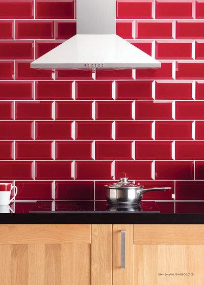 10 fa ons de sublimer sa cuisine gr ce du carrelage mural - Carrelage metro rouge ...