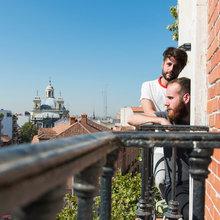 En casa de... Álvaro y Nacho Velasco: Blogueros de 'Nachouve'