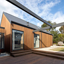 Stickybeak of the Week: Connected Pavilions Create a Dynamic Home