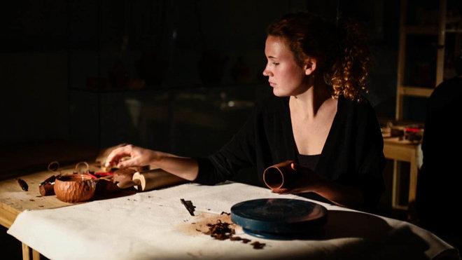 Портрет: лаконичная керамика от Алены Мухиной