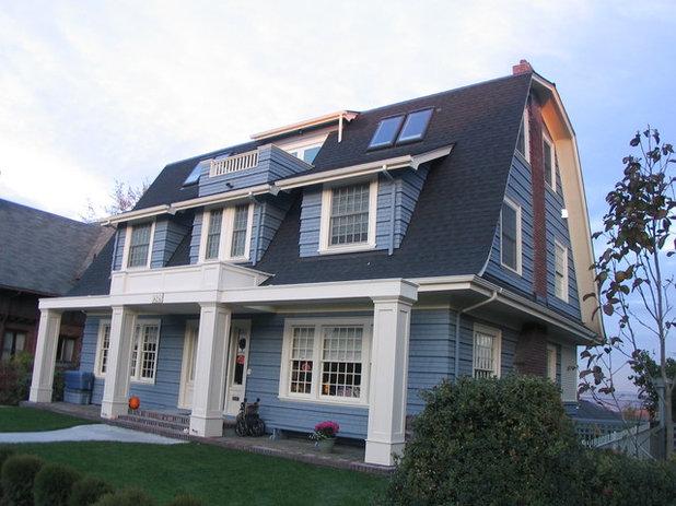 Gambrel Roofs Set Dutch Colonial Revivals Apart