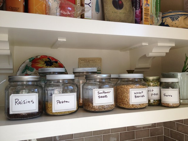 Eclectic Kitchen organized dry goods