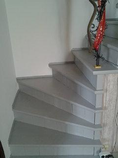 Comment pourrais je peindre un escalier for Escalier peint en gris et blanc