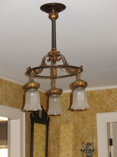 Decorating With Antiques Set The Stage With Lighting