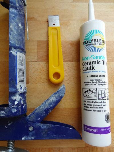 Bathroom Tile Quick Fix : Quick fix repair cracked bathroom grout