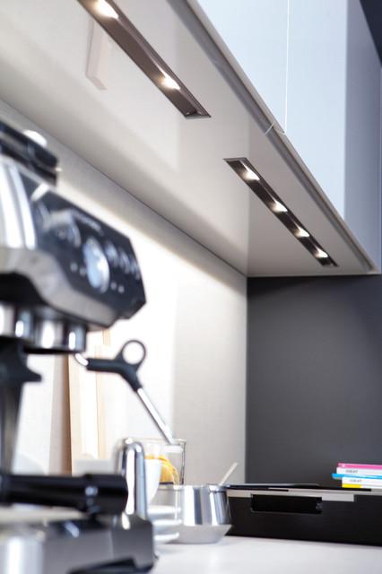 leicht k che. Black Bedroom Furniture Sets. Home Design Ideas