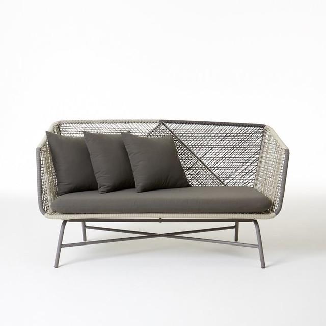 Huron sofa gray seal modern outdoor sofas by west elm for Lounge sofa garten shop