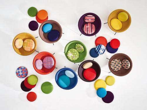 Schalensessel Bardis Bowl Arper farben Getupfte Designer Sessel