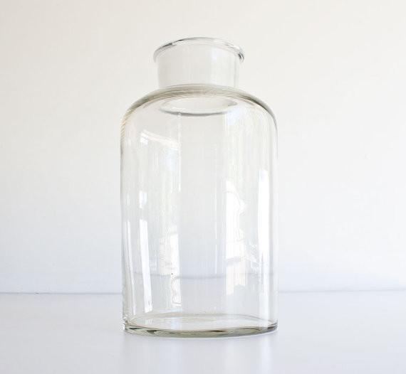 Elegant Ribbed Glass Jar  Glass Cotton Wool Jar  Bathroom Acessories