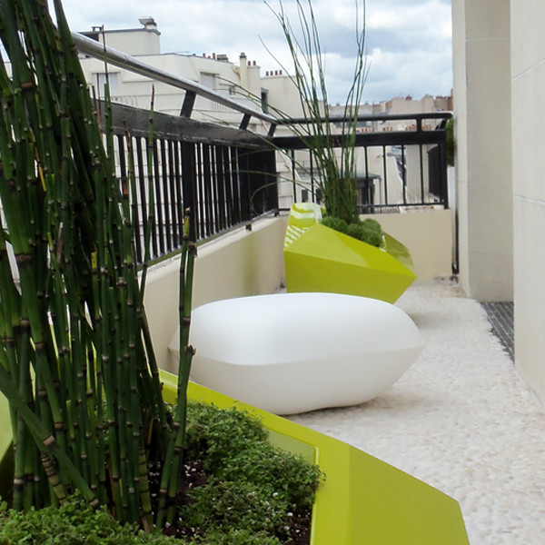 Mirosmesnil am nagement d 39 un balcon contemporain for Deco de terrasses et balcons