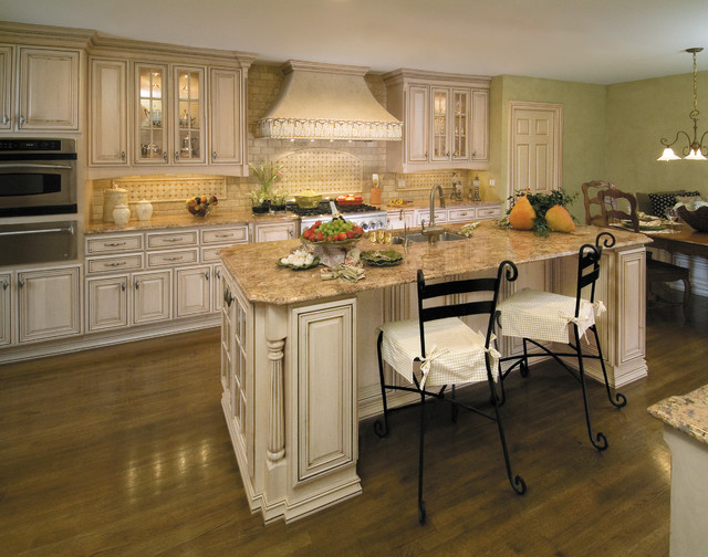 Traditional Kitchen In Toledo Ohio Traditional Kitchen Other Metro By Fieldstone Cabinetry