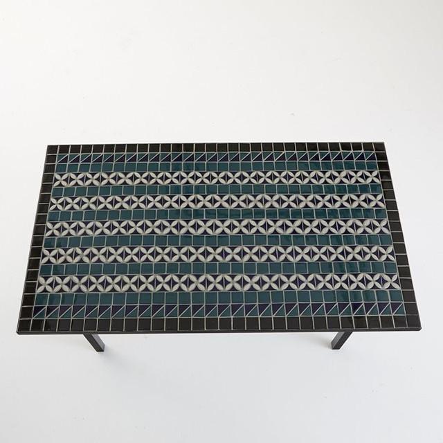 Table de salle manger plateau c ramique artisanal 6 for Table de salle a manger 15 couverts