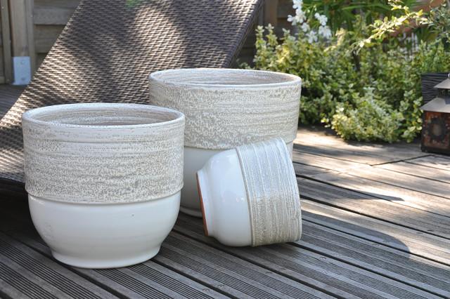 Vase rebord voile de nacre poterie d 39 albi ligne jardin contemporain pot et jardini re d - Decoration jardin exterieur poterie ...