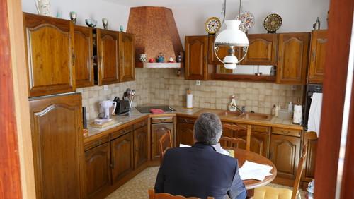 Aidez moi moderniser cette cuisine rustique for Changer les portes de cuisine