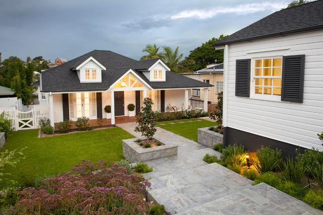 Hampton queenslander style house beach style brisbane for Queenslander home designs australia