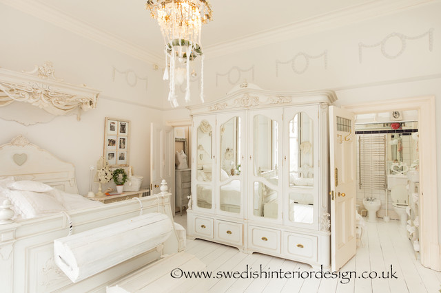 Swedish interior design shabby chic style bedroom - Camere da letto shabby chic ...