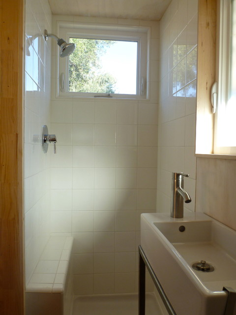 Beautiful Bathroom Fixtures Such As Retro Bathtubs And Faucets Are Extremely Effective In Creating The Old Time Aura, But They Have To Be Complimented By Many Other Items Therefore, Try Looking For A Small Vanity  Room In Your House, So Picking