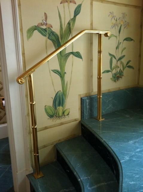 Gilded Iron Handrail For Raised Tub Platform With Bundled
