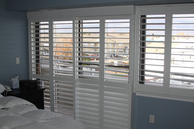 Hunter Douglas Shutters Modern Bedroom Other Metro
