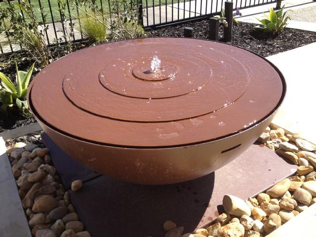 contemporary-outdoor-fountains.jpg (640×480)