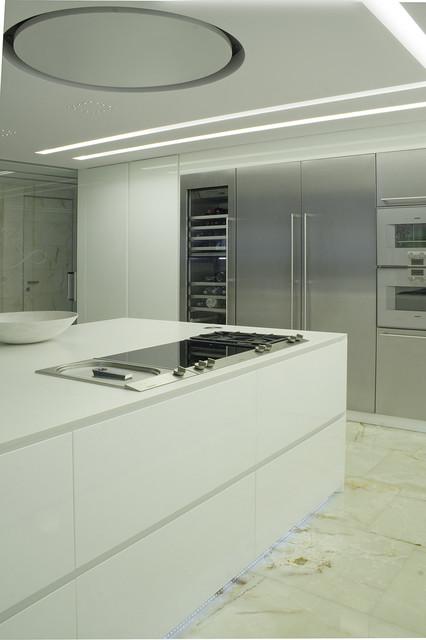 Interior Design Modern in Italy Bassano del Grappa - Moderno - Isole e carrelli da cucina ...